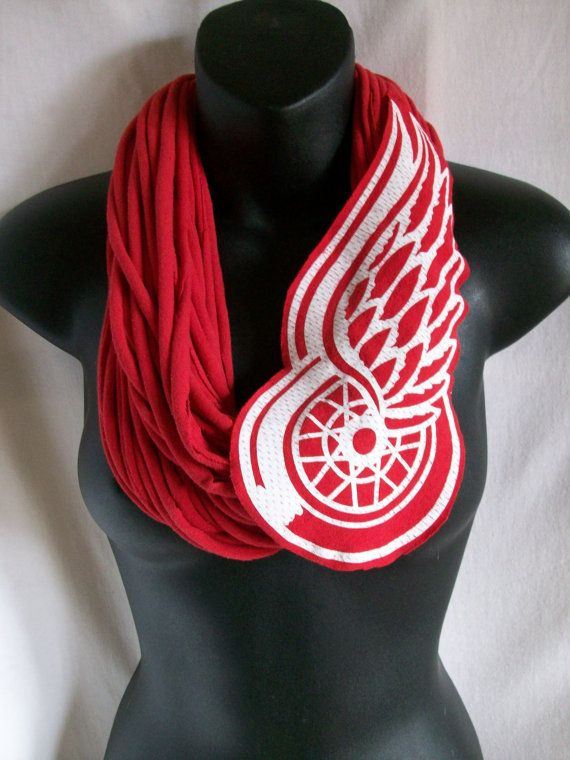 Red Wings scarf red  infinity  hockey Red Wing clothing by LamaLuz