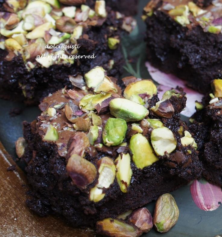 brownies al cioccolato e pistacchi (linda collister)