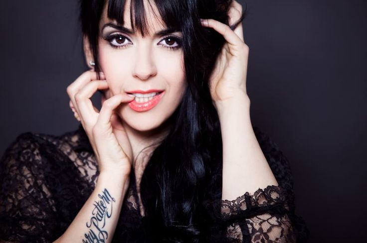 Ruth Lorenzo represents Spain with a powerful ballad 'Dancing In The Rain'!