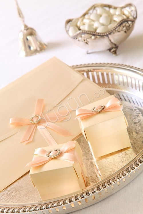 Ivory Weddings, http://dugun.com/dugun-davetiyesi/istanbul/ivory-weddings