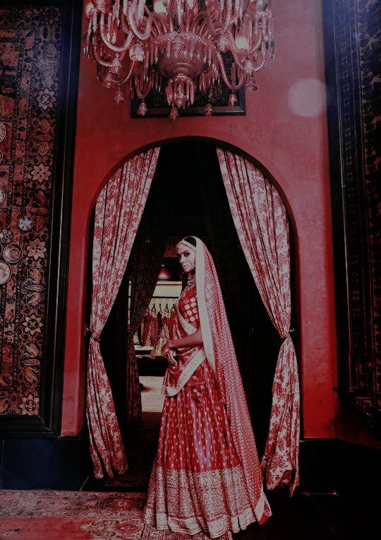 Sabyasachi Heritage Bridal 2016 (Desi Bridal Shaadi Indian Pakistani Wedding Mehndi Walima)