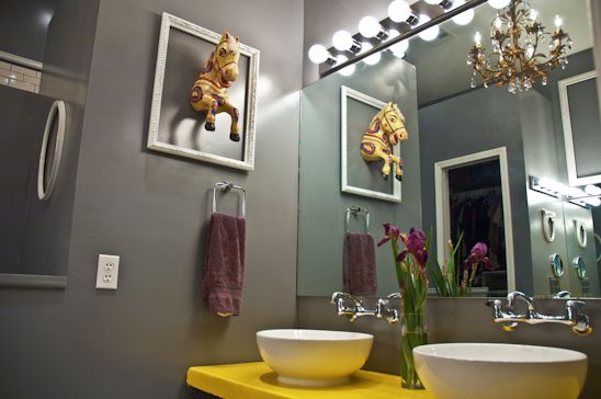 Quirky Bathroom Ideas: Love Grey And Yellow Together. And The Horse In The Frame
