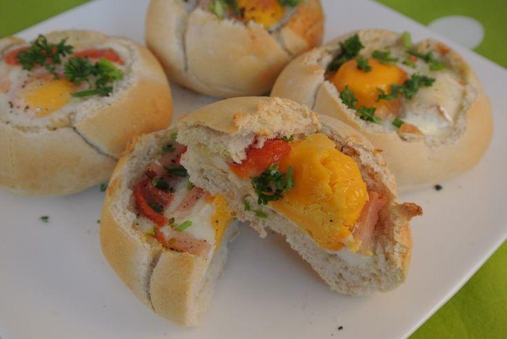 Een lekker recept en een leuke manier van een broodje ei speciaal te serveren. Lekkere als lunch of eenvoudige broodmaaltijd.