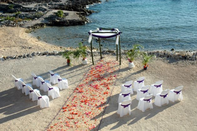 beach-wedding-ideas-on-a-budget_2.jpg 629×418 pixels