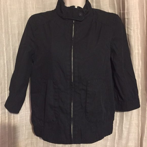 Old Navy Jacket Cute 3/4 sleeve jacket for casual wear. XS but fits like small-medium. Preloved ❤️ Old Navy Jackets & Coats