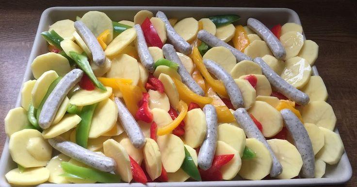 All in One Menü aus dem großen Ofenzauberer von Pampered Chef                Zutaten:    9 Kartoffel  Paprika rot, gelb, grün  Frankfurter ...