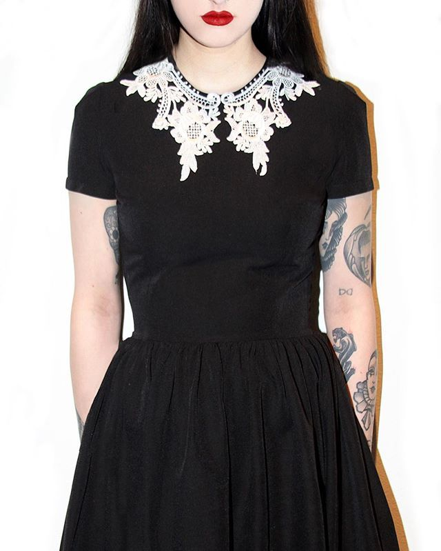 Lace collar poly dress is only $50!! Retails $78 #deandri