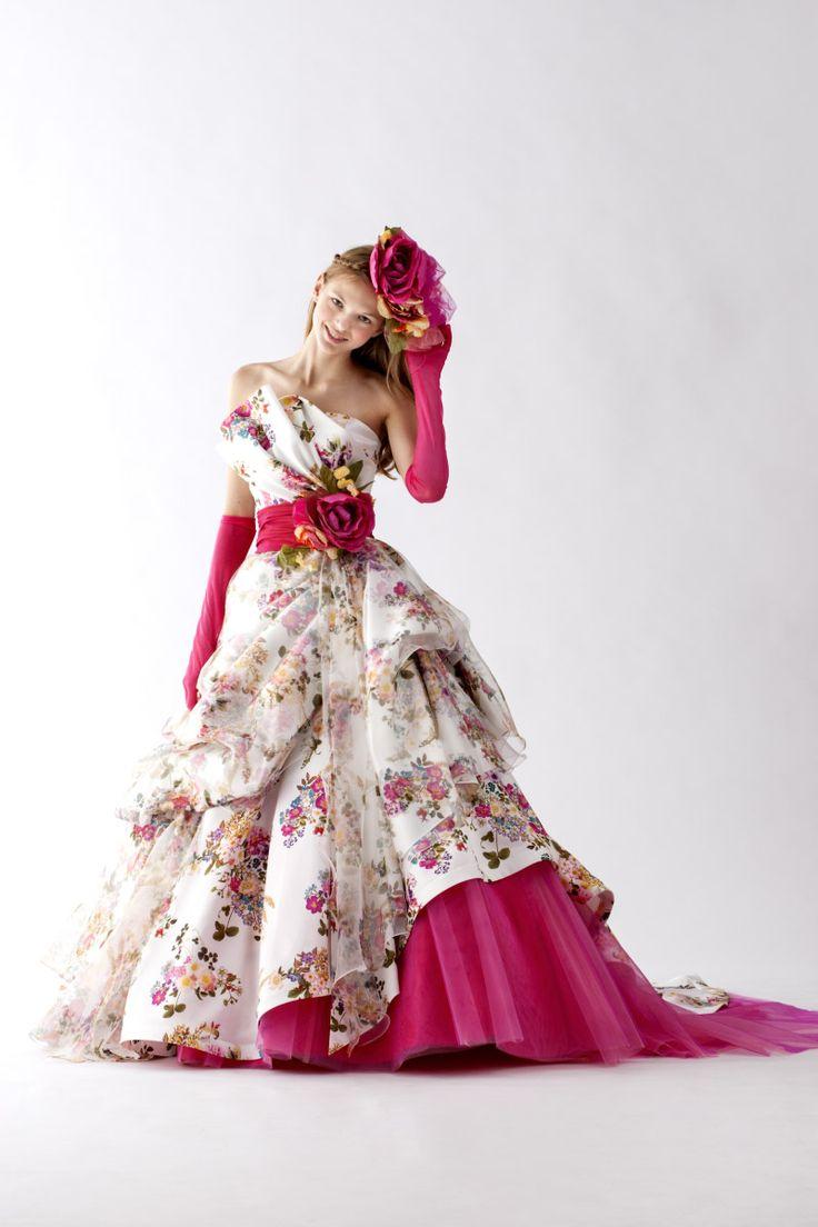 カラードレス ウェディングドレス、和装ならヴュパリ ララシャンス