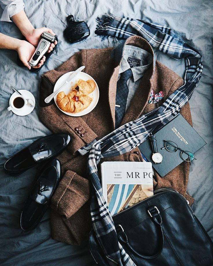 """""""A lot of thought needs to go into my outfit every morning. Whether I want to follow the traditional style rules or break them."""" @ateaspoonofstyle stylin' the morning with breakfast and coffee for the @braun_grooming campaign! www.phlanx.com   #sydneyfashionblogger #sydneylifestyle  #sydneyfoodblogger #sydneyfoodshare #onthebed #foodstyling #sydneyfoodies  #morningprep #inthemorning"""