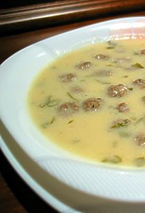 Tam bir kış yemeği. Yapması da kolay. Hem çorba hem de ana yemek olarak yenebilir.
