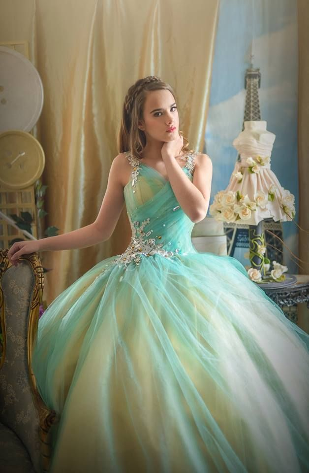 Mexican Quinceanera Dresses Designers You Must Know About ...