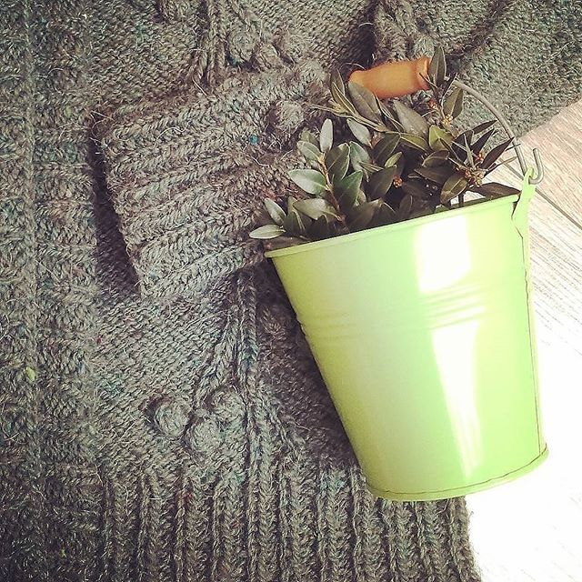 WEBSTA @ goikhman_yuliya - кардиган 🍒🍒🍒 зеленая #вишня #cherry#green#provencestyle#cardigan#goikhmanworkshop#pattern#knitter#knitting_inspiration#knitting#knittinglove#instaknitters#reglan#sweater#handmade#knittedsweater#свитер#вязание#вязаниеназаказ#woki1#реглан#вязаниекраснодар#ручнаяработа#шерсть#wool#knitters#knitstagram#knittingfashion