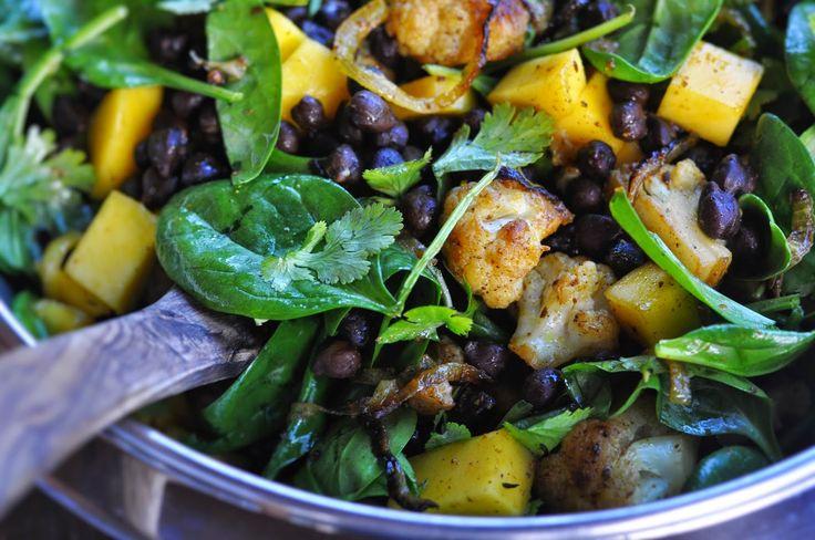 Vegetarischer Kichererbsensalat mit Mango und Karfiol - Kubiena - Kochblog