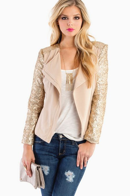 i adore the gold sleeves of this jacket
