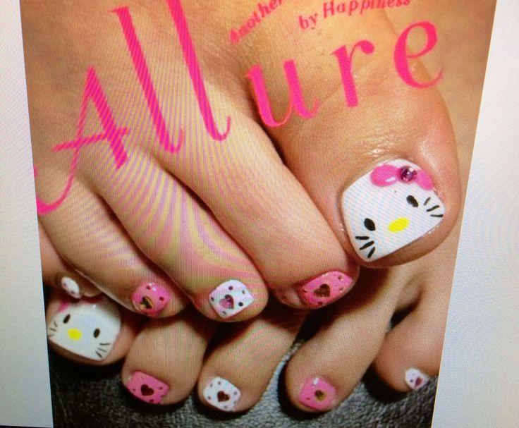 Hello Kitty toes!
