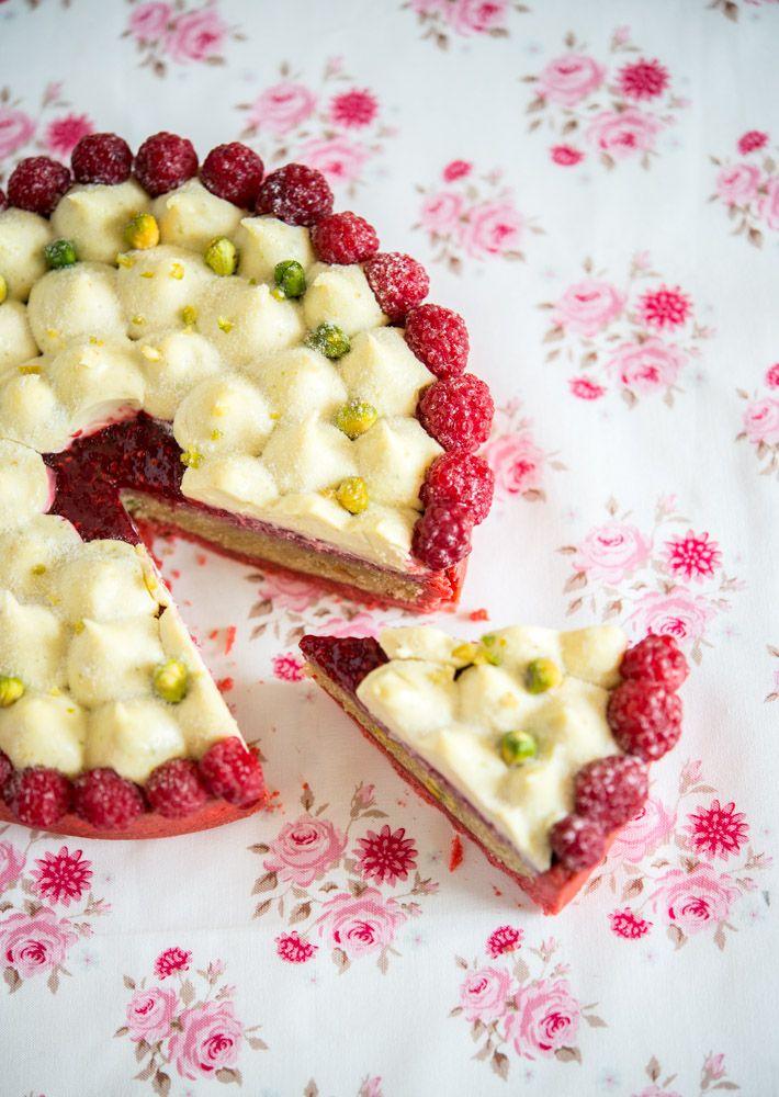 Raspberry-pistachio tart