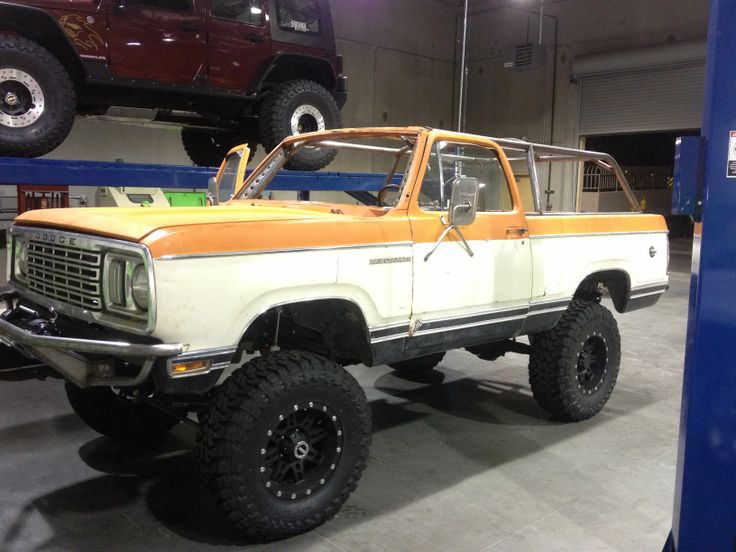 7 best images about ramcharger on pinterest dodge ramcharger sweet and 4x4. Black Bedroom Furniture Sets. Home Design Ideas