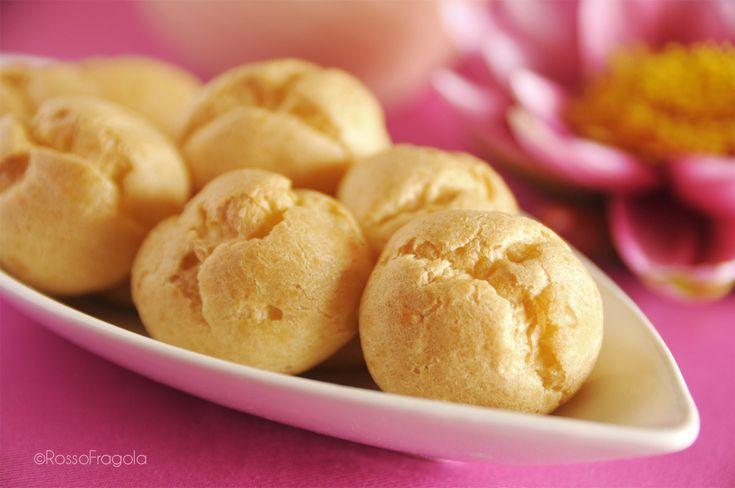 Ecco la ricetta perfetta della pasta choux per preparare ottimi bignè, eclair e paris-brest. Ideale per farciture dolci e salate.  <3