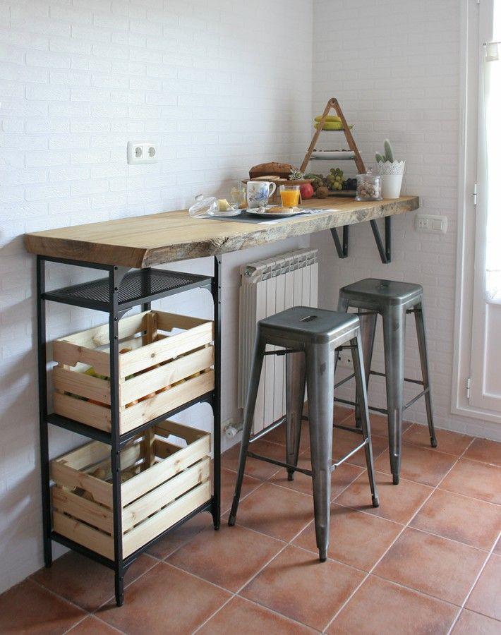 9 Ideas Para Crear Un Oficce En Cocinas Pequenas Diseno Muebles De Cocina Barras De Madera Decorar La Cocina