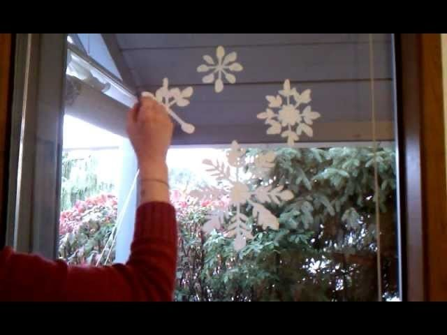 Christmas Window Painting - Paint Snowflakes Quick and Easy