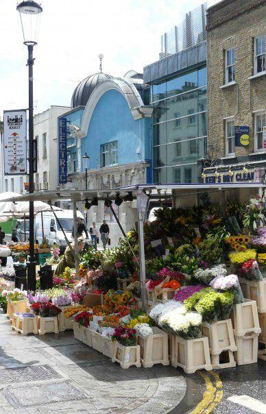 Portobello Road Market, Notting Hill, West London, England.