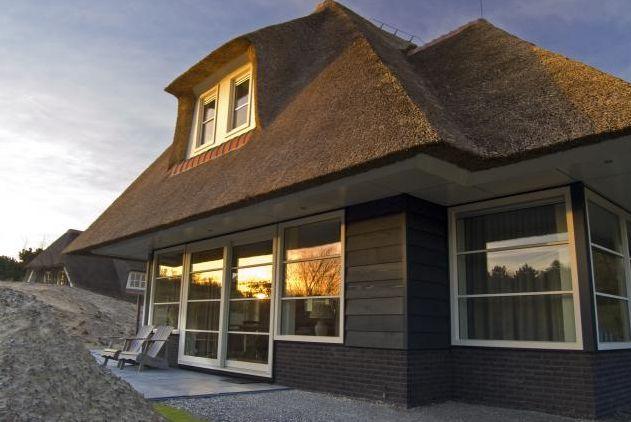 Villa Stern is een prachtige luxe vakantievilla op Ameland, die geschikt is voor gezelschappen van acht personen. De Villa heeft een sfeervolle uitstraling en beschikt over luxe voorzieningen zoals een open haard, een sauna en een solarium. Er is een ruime tuin aanwezig met een heerlijk terras op het zuiden gelegen. In de ochtenden en […]