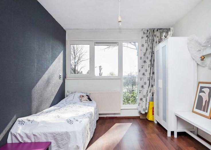 Gordijn oplossing   http://www.funda.nl/koop/alkmaar/huis-49717102-lekerwaard-1/#foto-11