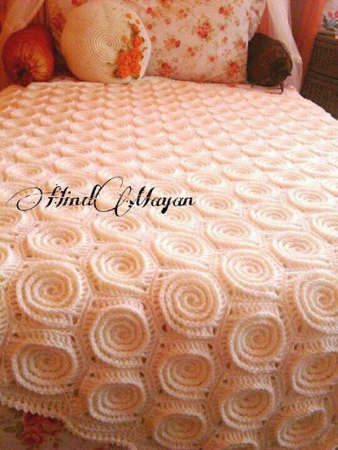 Photo tutorial for this textured crochet bed-cover!