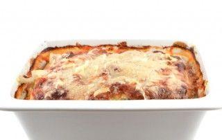 Lasagne       1 stuk courgette     1 stuk ei     40 gram Grana Padano     1 beetje Italiaanse kruiden     100 gram prosciutto crudo     250 gram ricotta     390 gram tomatenblokjes met basilicum en oregano