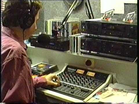 Politie inval bij Nijmeegs radio piraat Lokaal radio