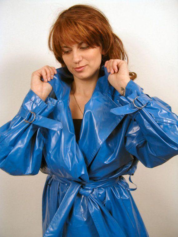 1000 id es sur le th me pvc raincoat sur pinterest capes avec capuche des imperm ables et latex. Black Bedroom Furniture Sets. Home Design Ideas