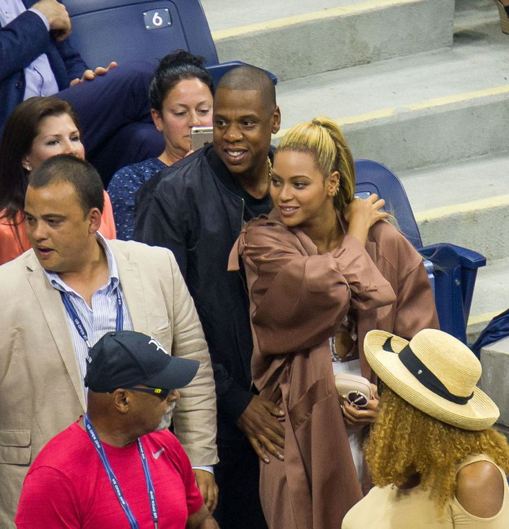 Beyoncé & Jay Z Have Date Night Cheering On Serena Williams at the US Open