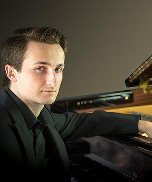 Pianist Alexander Beyer