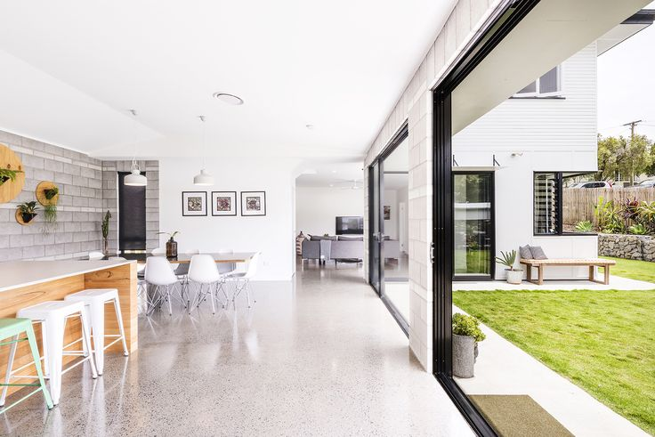 CARINA 54 Allambie Street...From the moment you enter the home you are going to be stunned by the care, thought and creativity that has turned this once modest post war home into the absolute epitome of luxe family living.