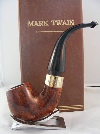The famous Peterson Mark Twain Pipe.This is the 1985 boxed commemorative gold limited edition(unsmoked). From the Jim Lilley collection.