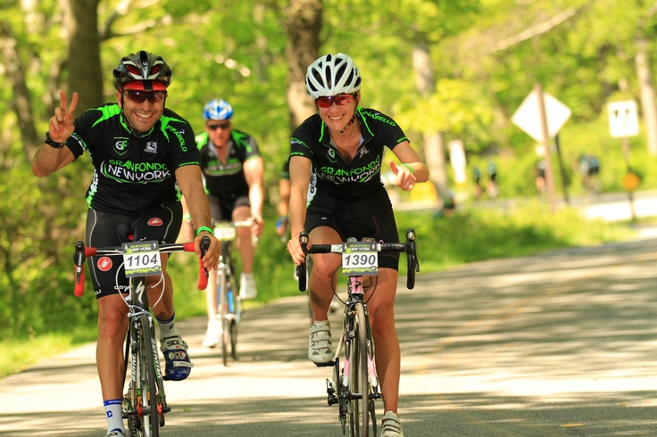 Jorge Carom y Ana Bonilla riding last gran fondo NY 2012!