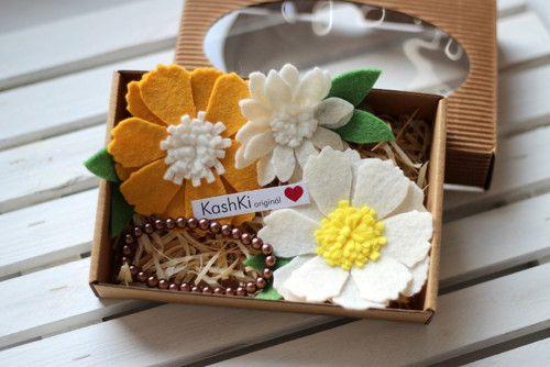 Colorful jewelry sets for little girls. #headdress #bracelet  #flowers #brooch #felt  #KashKi
