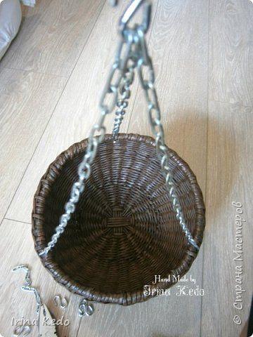 Мастер-класс Плетение Плетёное подвесное кашпо усовершенственное  Трубочки бумажные фото 13