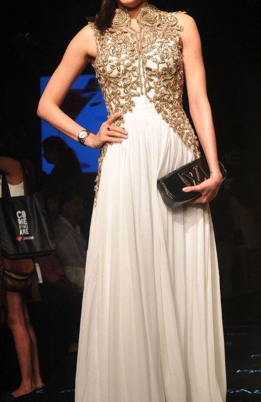 FatimaBi Plus size Fashion Indian Embroidery White Partywear Anarkali Gown Dress #FatimaBi #AnarkaliKameez