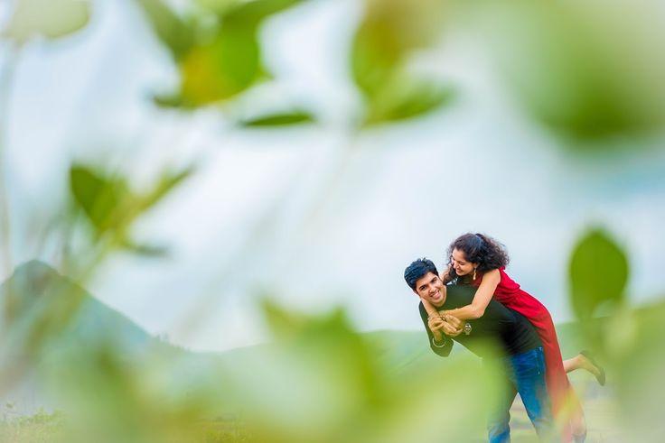 A funny couple! Photo by Rohan Sangodkar, Mumbai #weddingnet #wedding #india #indian #indianwedding #prewedding #photoshoot #photoset #hindu #sikh #south #photographer #photography #inspiration #planner #organisation #invitations #details #sweet #cute #gorgeous #fabulous #couple #hearts #lovestory #day #casual