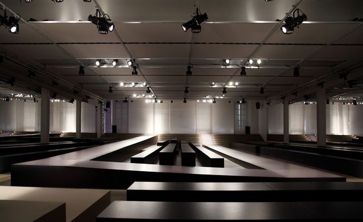 1000 Images About Runway Space On Pinterest Chanel Spring Catwalk Design And Catwalks