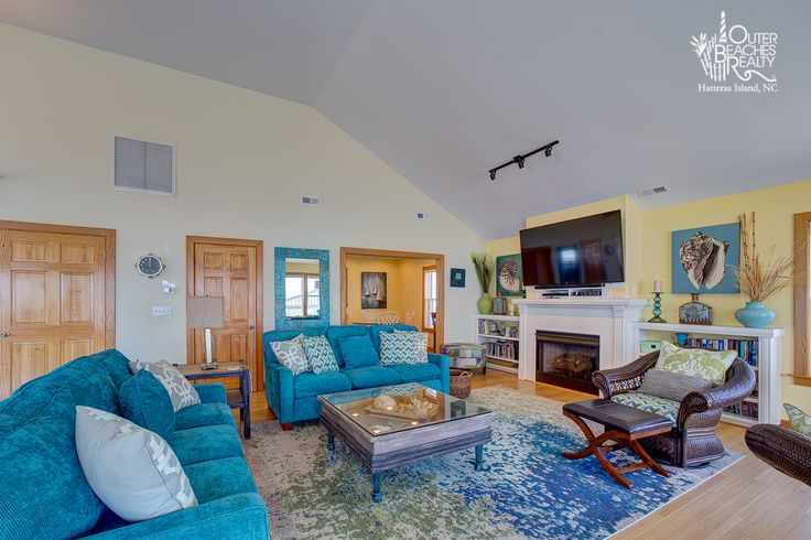Get the feeling like you're toes are in the water in this oceanfront living room. Abundant Blessings {804} is a 8 bedroom, 8 full + 1 half bathroom Oceanfront vacation rental in Hatteras, NC. See photos, amenities, rates, availability and more details to book today!