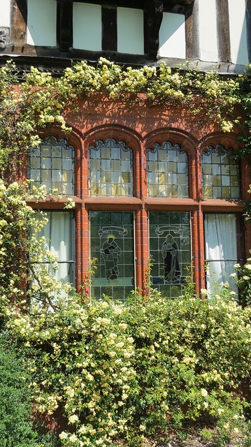 Country Style Windows : Wightwick manor english country decor and tudor