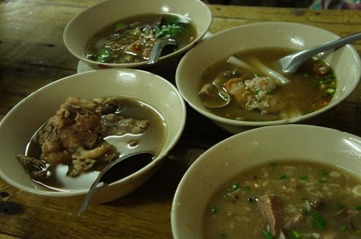 プーケットタウン*スープが絶品!プーケットタウンのスープ&おかゆの専門店ゴーベン(Ko benz)【タイ・プーケット】