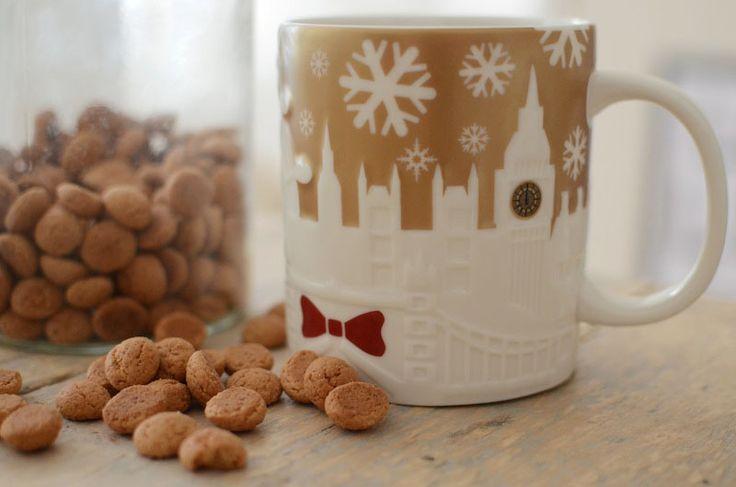 Hardlopen in strakblauwe frisse lucht, dus weinig zweten - Sinterklaas gezelligheid - Kerstverlichting+liedjes -  Mooie kleding - Herfstgeur: parfum, regen, vanillekaars, kruidnoten, herfstthee, dennennaalden, bos - Romige soep - Mandarijntjes - Mooie sjaals - gekleurde blaadjes - Boswandelingen en een herfststukje maken van opgeraapte kastanjes - Tv-programma's - Lezen +dekentje +kop chocolademelk -Accepteer regen, je hebt er geen invloed op maar wel een paraplu - Geniet van iedere…