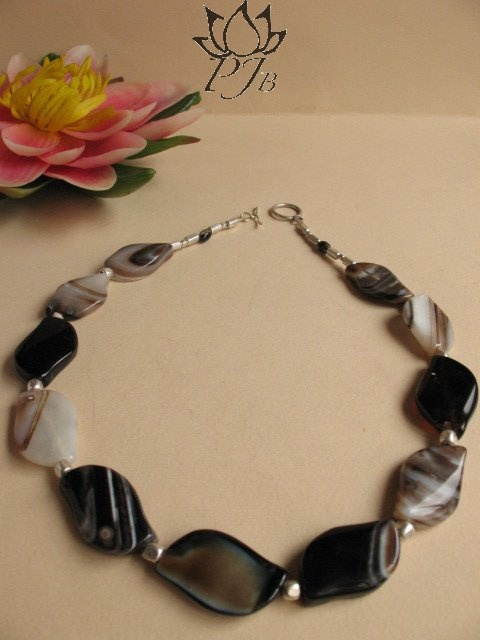 Semplice agathe and Indian Silver by PadmaJewels, via Flickr