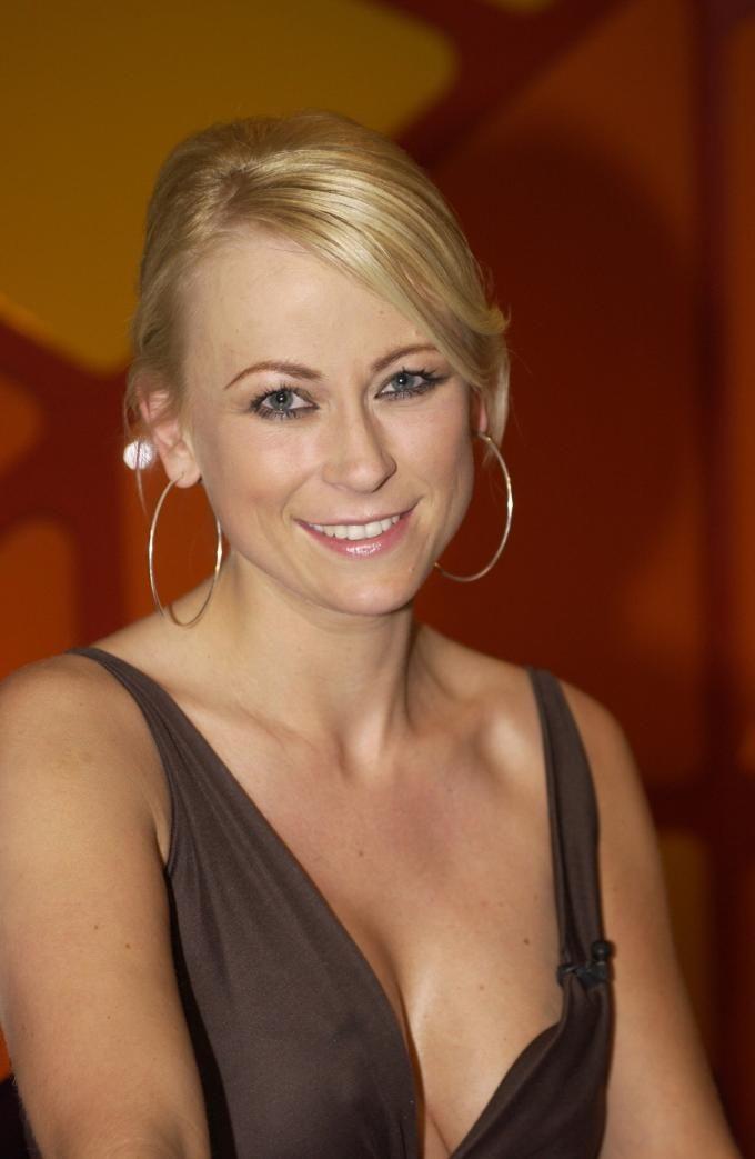 Jenny Elvers kehrt zurück ins NDR-Studio der Sendung