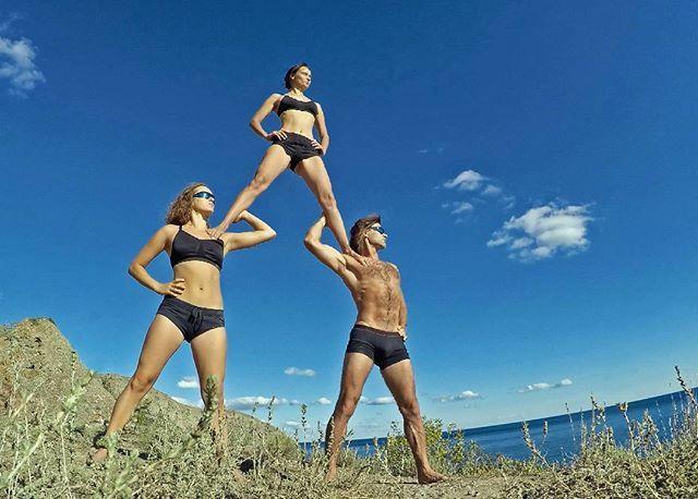 Guardians of Galaxy.  #acro #acrolove #acroyoga #acrofun #acrobatics #acrobats #acrobalance #acrotrip #acrotrio #acropyramid #pyramid #acroyogaeverywhere #acroyogafun #acrotothepeople #acroyogaeverydamday #rusacro #moscowacrofamily #acrocrimea #акробатика #акробаланс #акро #акройога #акротройка #меганом #крым #акройогавкрыму #любимыеакройоги #акропирамида #пирамида #высокосижудалекогляжу