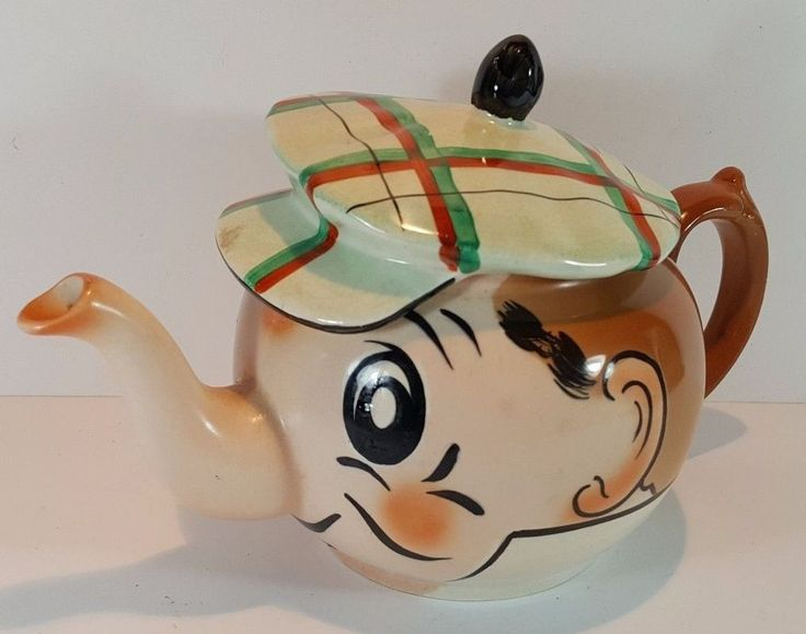 VINTAGE NOVELTY TEAPOT - WADE MIRROR NEWSPAPER CARTOON ANDY CAPP