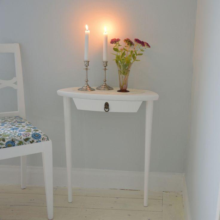 Vackert Konsollbord i Gustaviansk stil